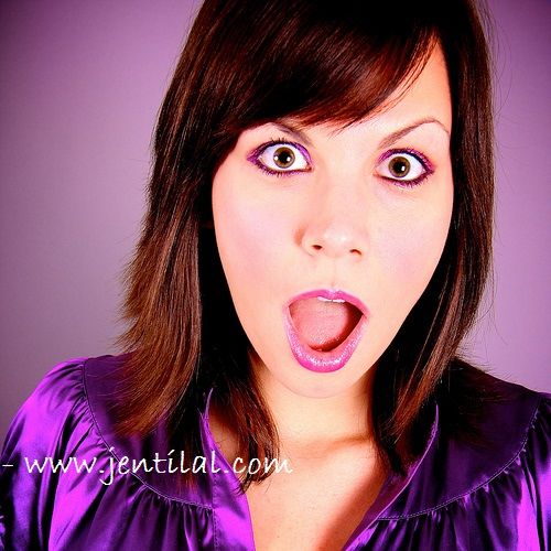 shocked-girl-in-purple
